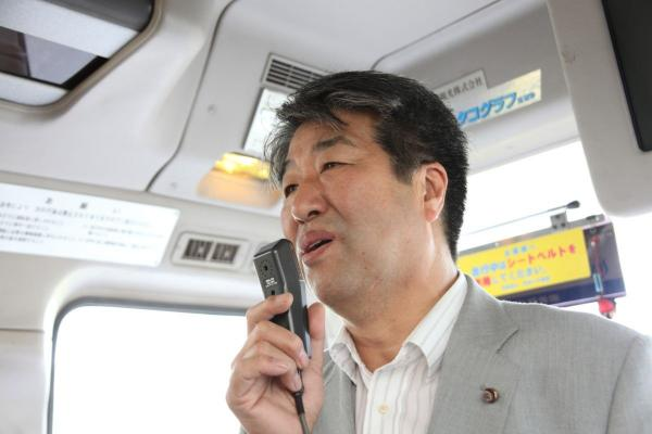 01_報告する大飯町猿橋議員