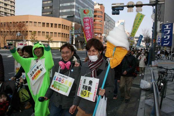33_西梅田へパレード